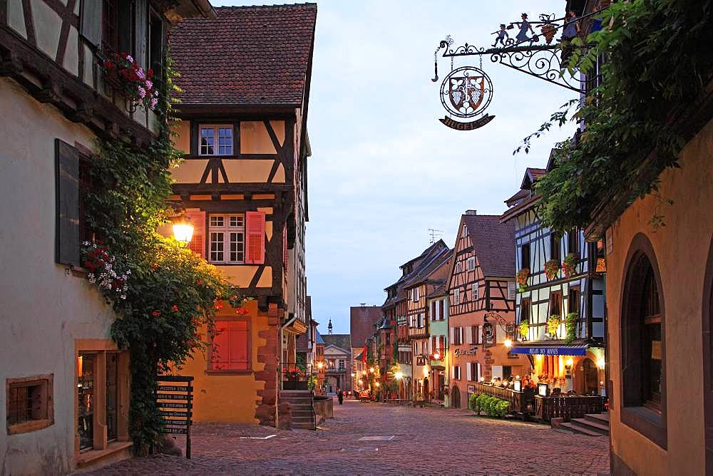 France, Alsace, Haut-Rhin, Riquewihr, Wine Road