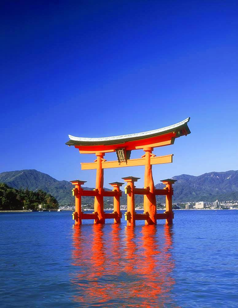 Ootorii, Itsukushima-jinja, Hiroshima Prefecture, Japan