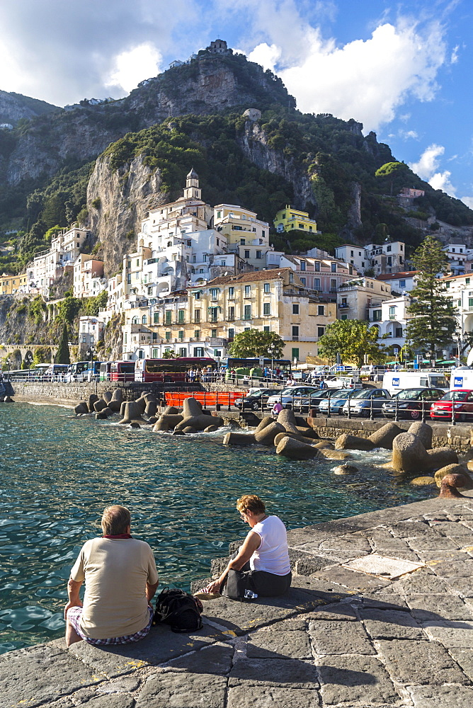 Tourists on the promenade, Amalfi coast, Italy