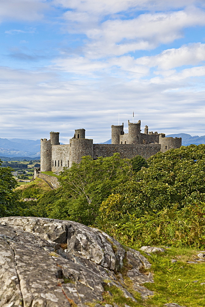 View of Harlech castle at UNESCO world heritage, Tremadog Bay, Gwynedd, Wales, UK