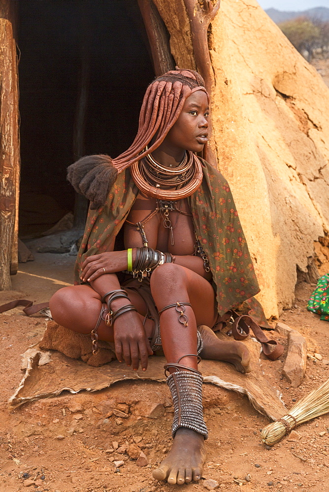 A woman in a Himba village – a traditionally living tribe in Kunene, Namibia