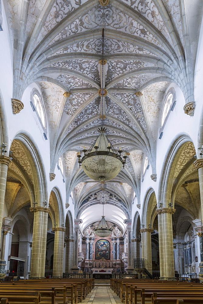 The Manueline and Portuguese baroque cathedral church of Our Lady of the Assumption (Nossa Senhora da Assuncao), Elvas, UNESCO World Heritage Site, Alentejo, Portugal, Europe