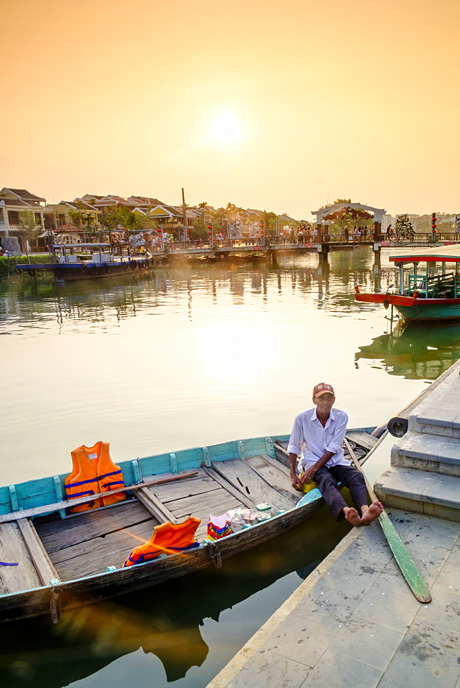 Boat in Hoi An, Vietnam, Indochina, Southeast Asia, Asia