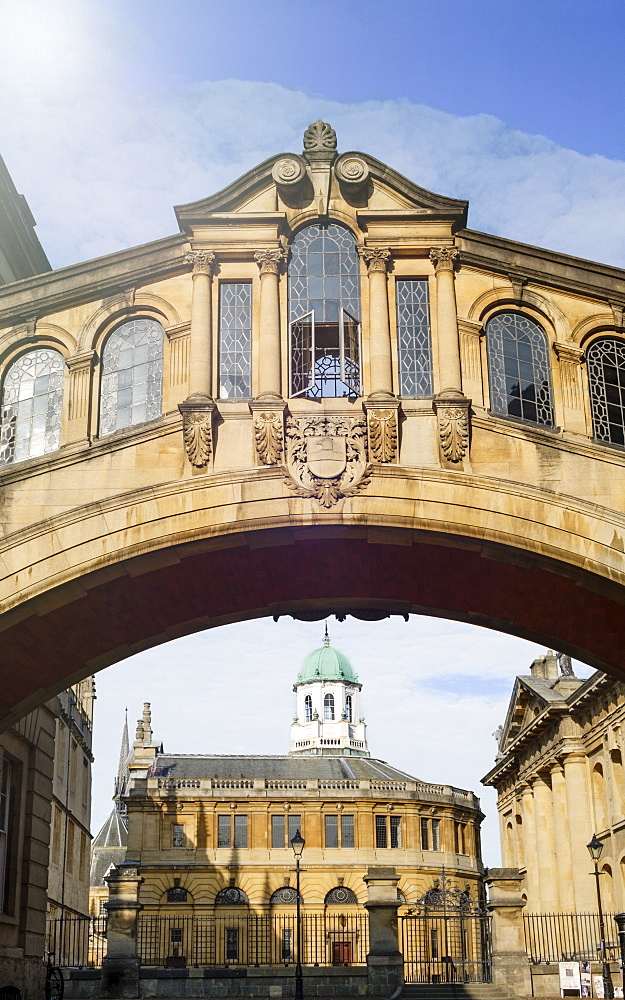 The Bridge of Sighs (Hertford Bridge) and the Sheldonian Theatre, Oxford University, Oxford, Oxfordshire, England, United Kingdom, Europe
