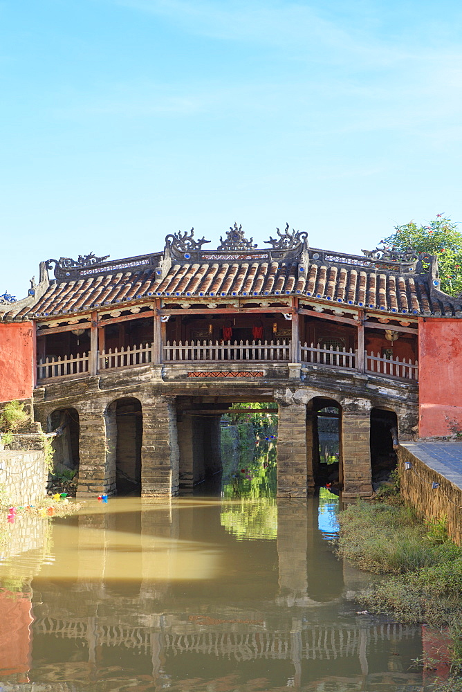 The 18th-century covered, wooden Japanese Bridge in the  historical centre of Hoi An, UNESCO World Heritage Site, Quang Nam, Vietnam, Indochina, Southeast Asia, Asia - 1176-868
