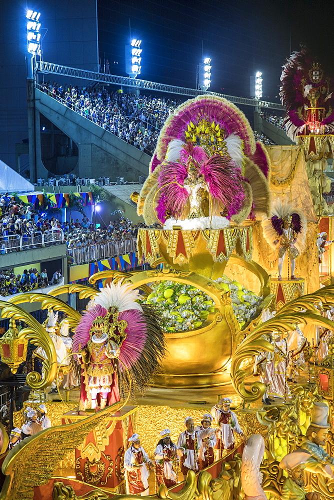 Dancers at the main Rio de Janeiro Carnival parade in the Sambadrome (Sambodromo) arena, Rio de Janeiro, Brazil, South America - 1176-907