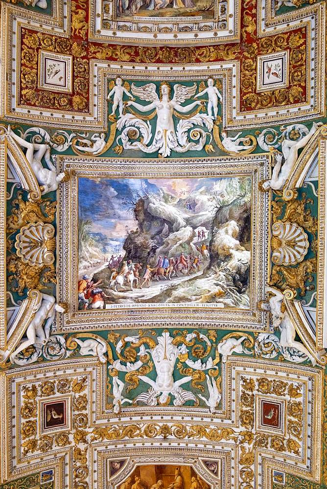 The painted ceiling in the gallery of Maps, Vatican Museum, UNESCO World Heritage Site, Vatican City, Rome, Lazio, Italy, Europe - 1176-946
