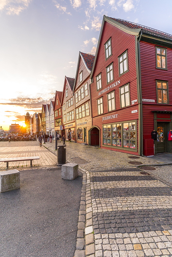 Sunset over cobblestone street and old buildings in Bryggen, UNESCO World Heritage Site, Bergen, Hordaland County, Norway, Scandinavia, Europe - 1179-4103