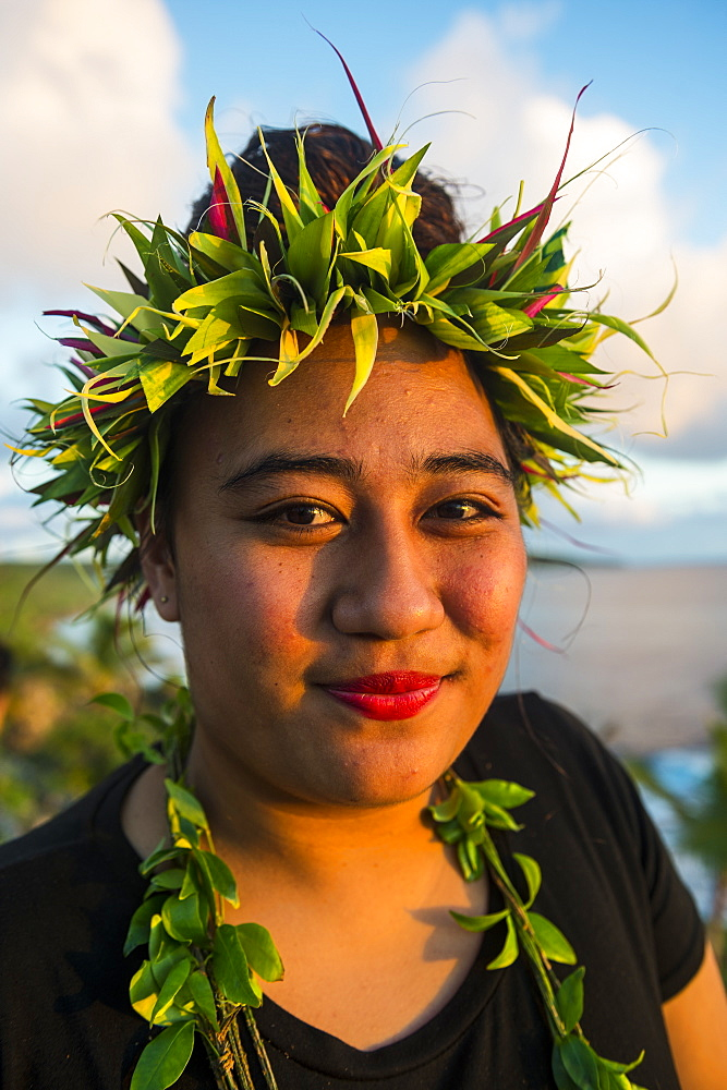 Traditional dressed woman in the Matavai Resort, Niue, South Pacific, Pacific
