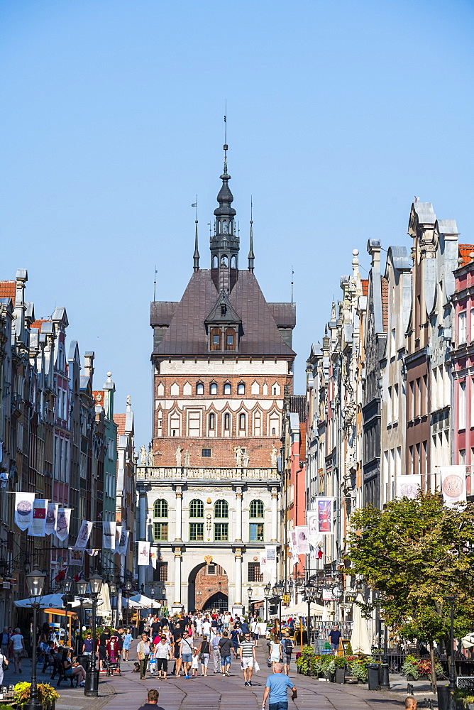 Hanseatic League houses in the pedestrian zone with the main gate of Gdansk. Poland, Europe
