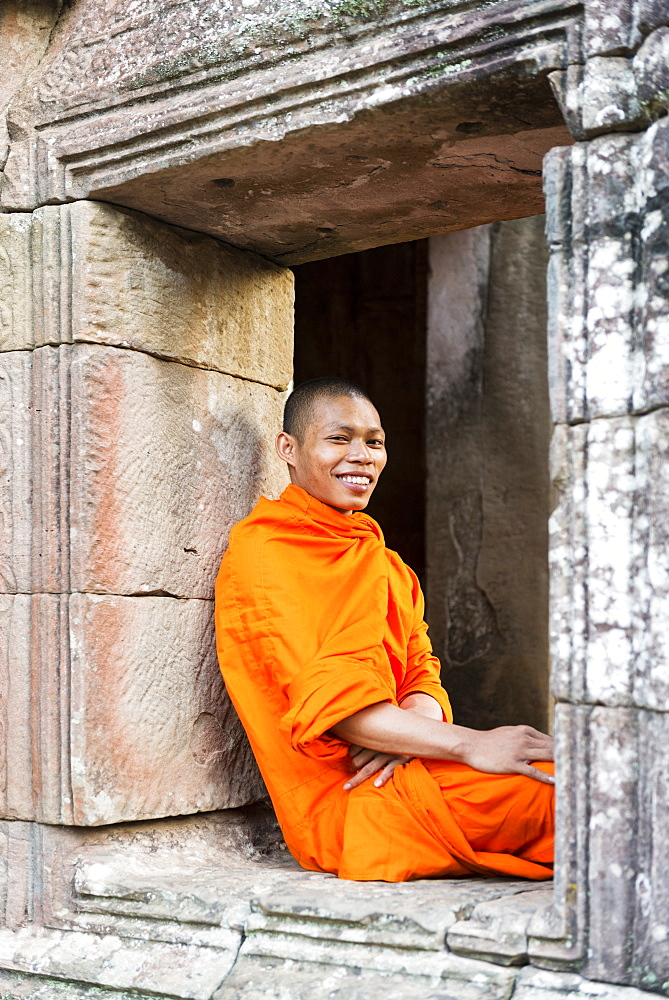 Monk at the Bayon temple, Angkor, UNESCO World Heritage Site, Siem Reap, Cambodia, Indochina, Southeast Asia, Asia