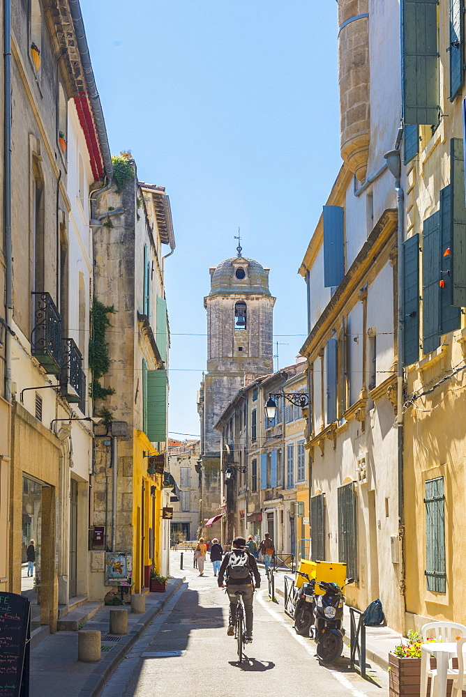 Riding through Arles, Bouches du Rhone, Provence, Provence-Alpes-Cote d'Azur, France, Europe