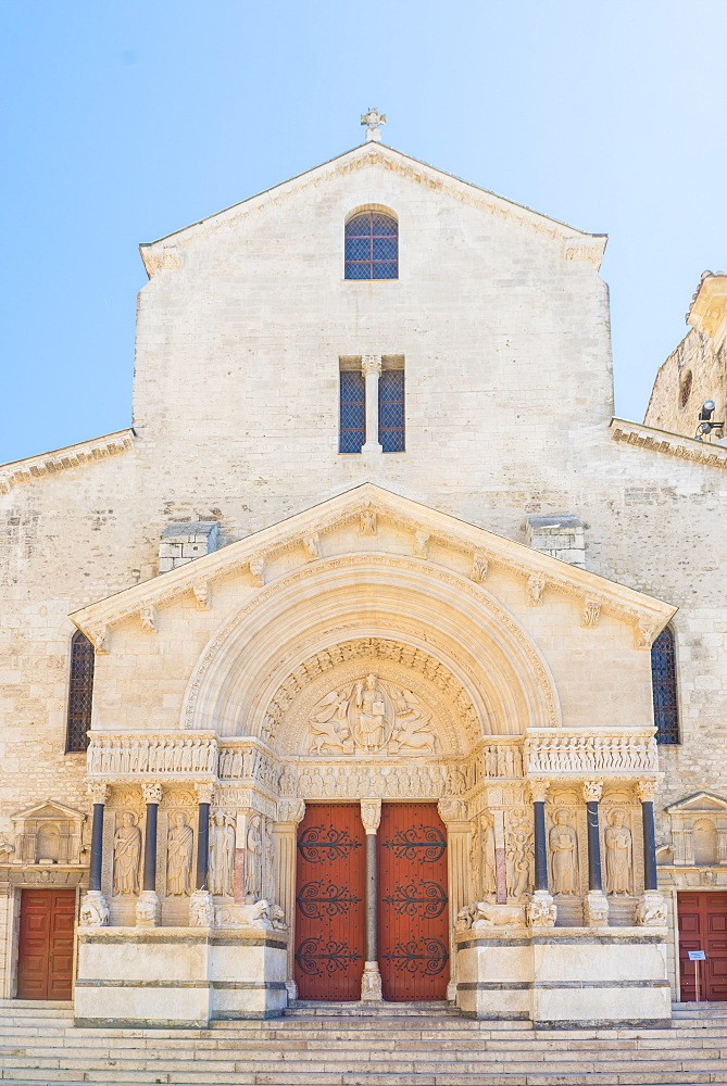 Church of St. Trophime, Arles, Bouches du Rhone, Provence, Provence-Alpes-Cote d'Azur, France, Europe
