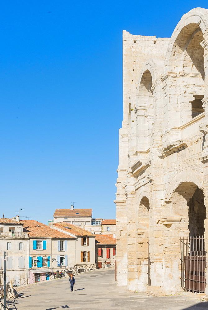 Arles Amphitheatre, Arles, Bouches du Rhone, Provence, Provence-Alpes-Cote d'Azur, France, Europe