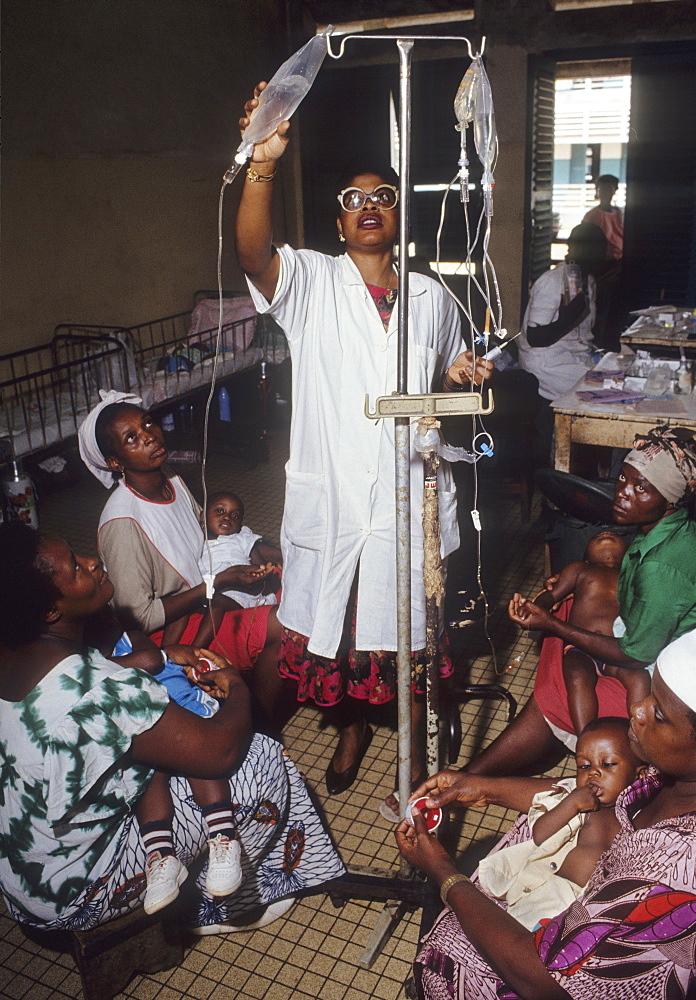 Malaria, cameroon. Laquintinie hospital, douala. Childrens malaria ward