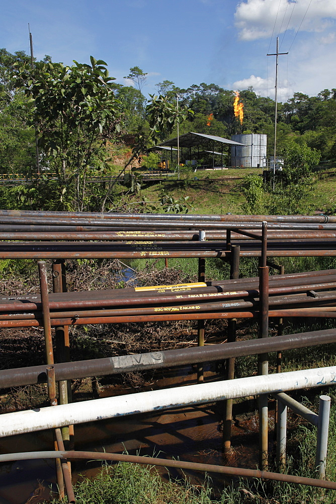 Oil extraction and pollution in the Amazon, Huaorani Amerindians trying to survive through eco-tourism against the threat of oil multinationals, Yasuni National Park, Amazon, Ecuador, South America
