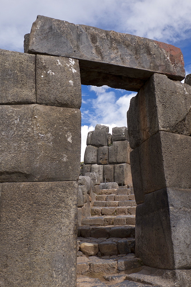 Citadel of Sacsahuayman, a native Inca complex surrounded by walls that were made by fitting stones tightly together without mortar, UNESCO World Heritage Site, Cusco Region, Peru, South America - 1188-877