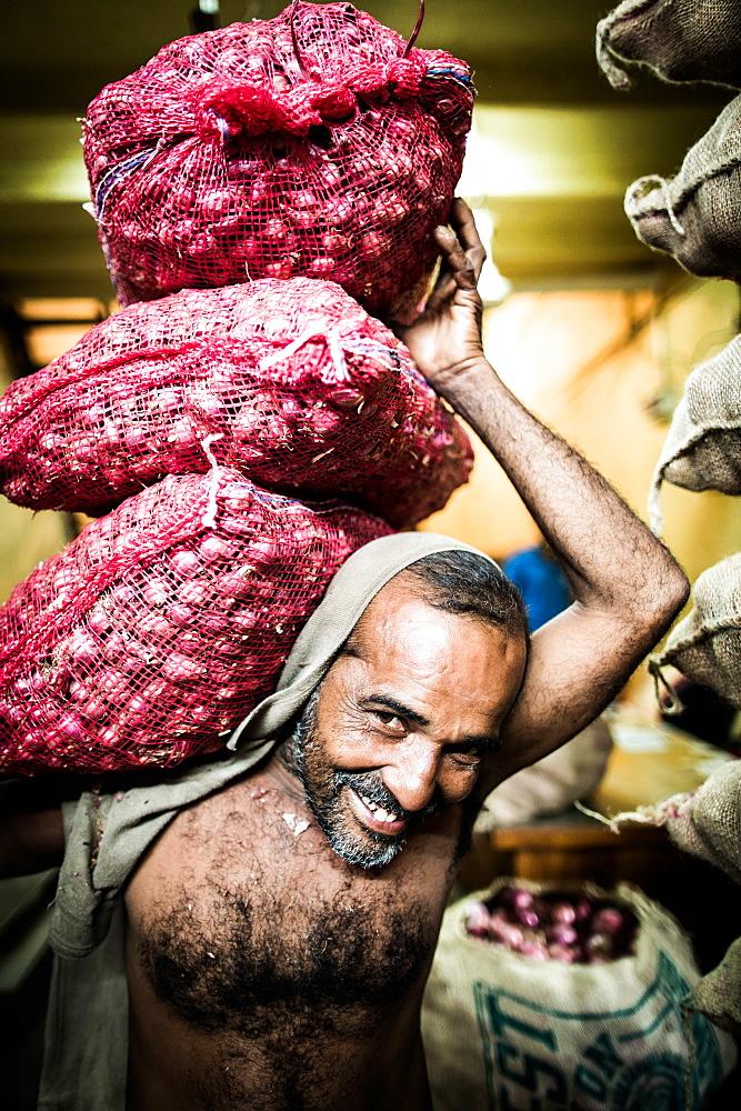 Shallot salesman, Dambulla Market, Dambulla, Sri Lanka, Asia