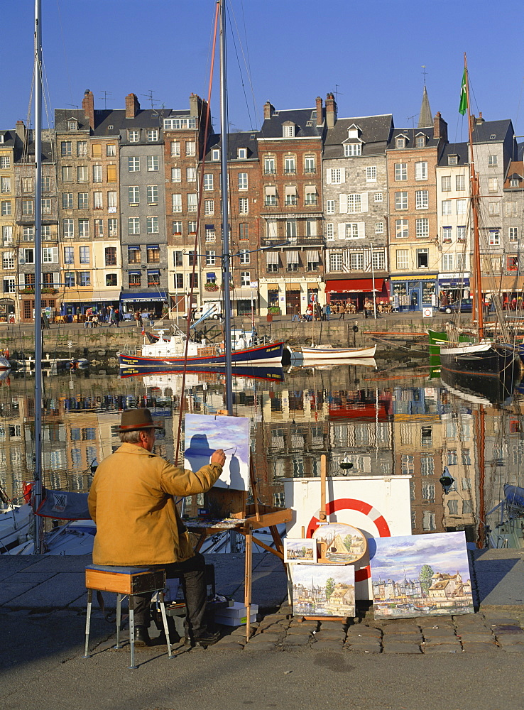 Artist with St. Catherine's Quay beyond, Old Harbour, Honfleur, Basse Normandie, France, Europe - 120-3268