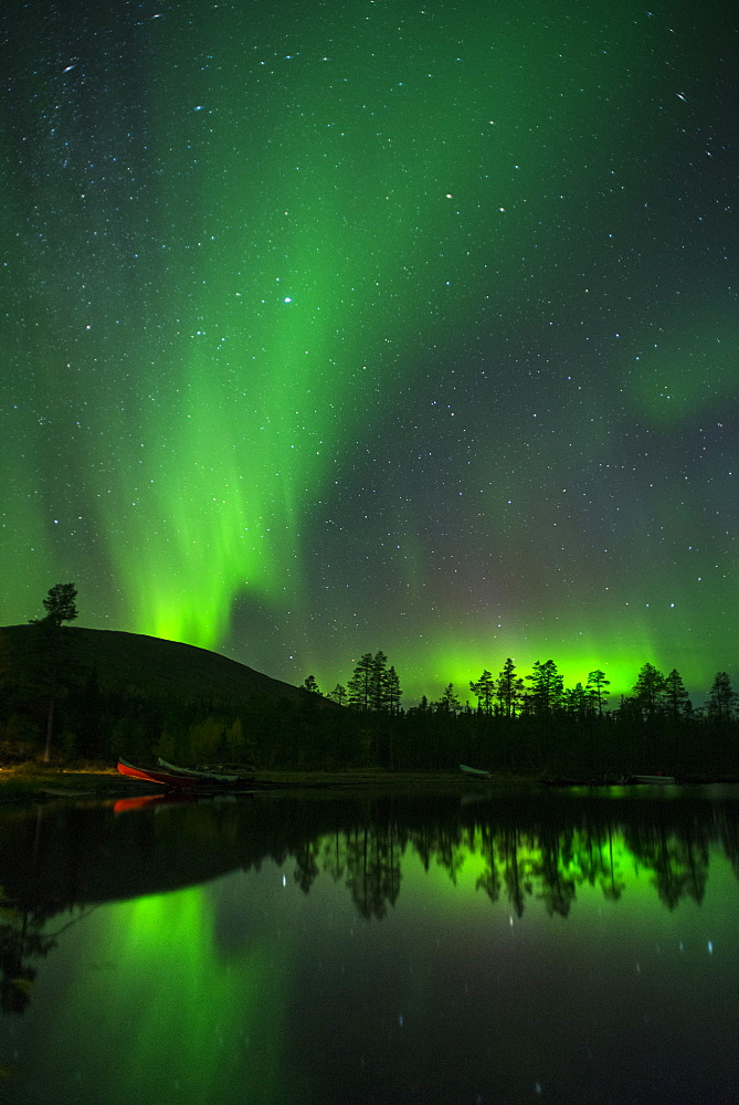 Aurora Borealis and stars over lake at night, Muonio, Lapland, Finland, Scandinavia, Europe - 1200-16