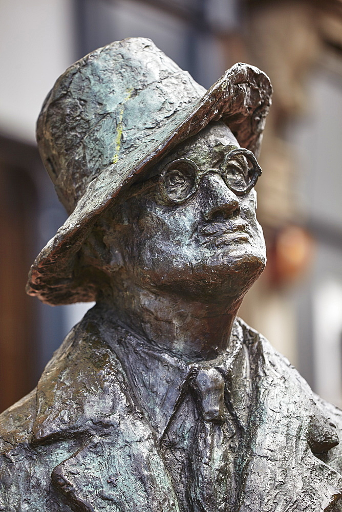 Statue of James Joyce, O'Connell Street, Dublin, Republic of Ireland, Europe