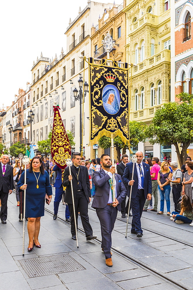 A procession to move the Virgin of Hope of Macarena statue from Seville Cathedral, Seville, Andalucia, Spain, Europe - 1207-246
