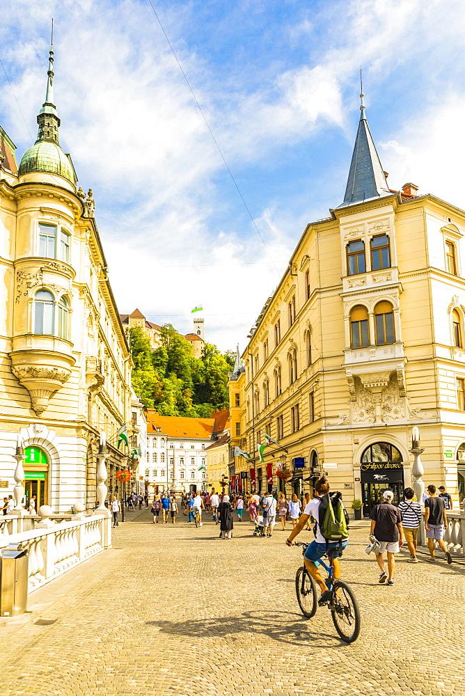 View from Plaza Presernov over Triple Bridge toward Ljubljana Castle, Ljubljana, Slovenia, Europe - 1207-320