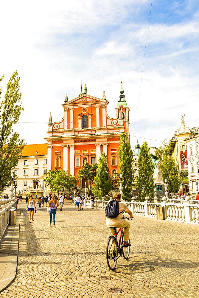Franciscan Church of the Annunciation and Triple Bridge, Ljubljana, Slovenia, Europe - 1207-324