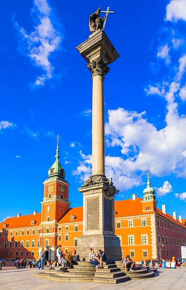 Royal Castle and Sigismund's Column in Plac Zamkowy (Castle Square), Old Town, UNESCO World Heritage Site, Warsaw, Poland, Europe - 1207-364