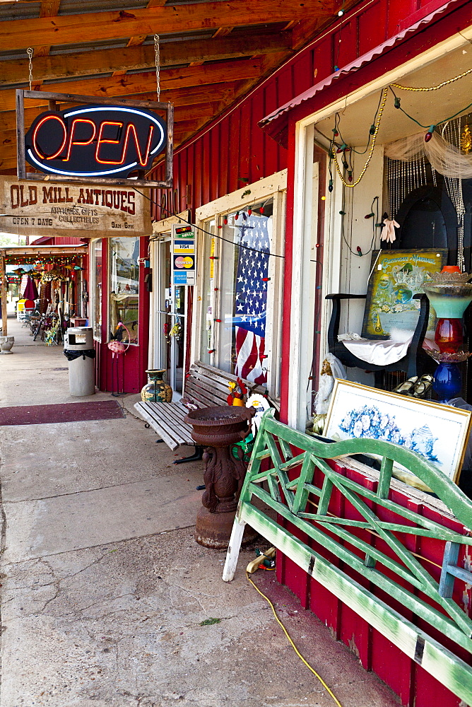 Small town called Jefferson, Texas, United States of America, North America - 1207-39