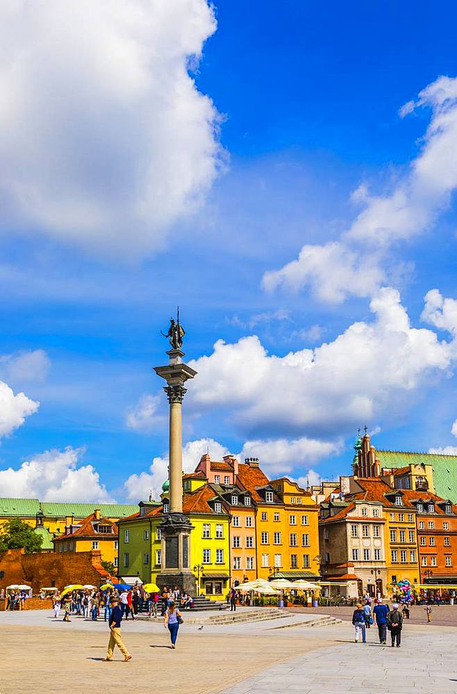 Sigismund's Column and buildings in Plac Zamkowy or Castle Square, Old Town, Warsaw, Poland, Europe
