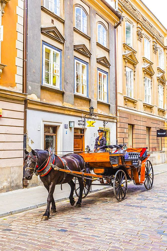 Horse and carriage, Old Town, Warsaw, Poland, Europe - 1207-400