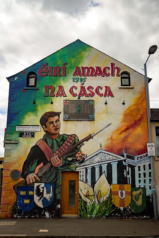 Nationalist Mural, Belfast - 1209-166