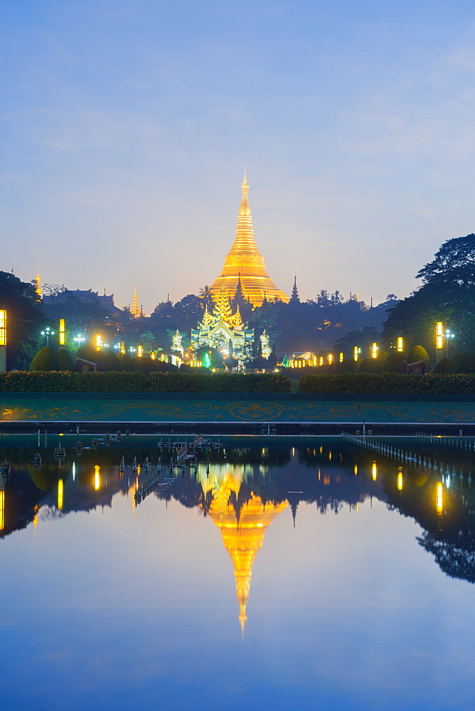 Shwedagon Pagoda, the most sacred Buddhist pagoda in Myanmar, Yangon (Rangoon), Myanmar (Burma), Asia - 1212-421