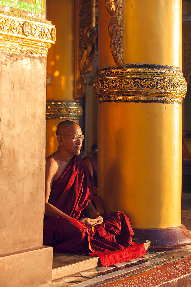 Monk meditating at Shwedagon Pagoda, Yangon (Rangoon), Myanmar (Burma), Asia - 1212-424