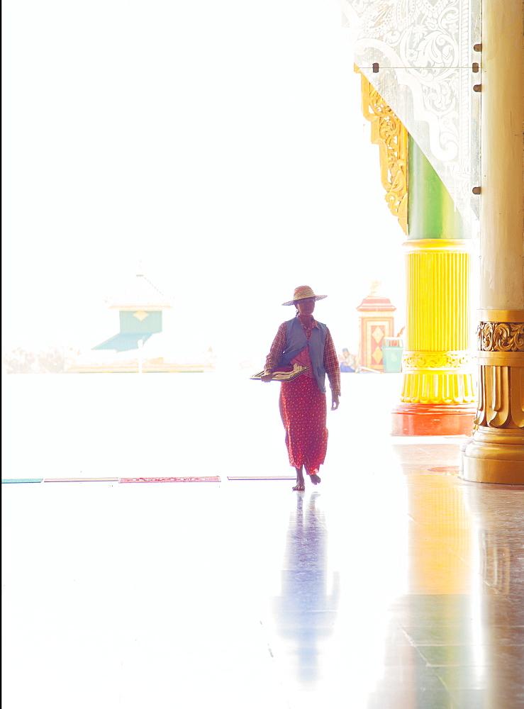 Uppatasanti Pagoda, Naypyitaw, known as the Peace Pagada, an exact replica of the Shwedagon Pagoda in Yangon, Naypyitaw, Myanmar (Burma), Asia