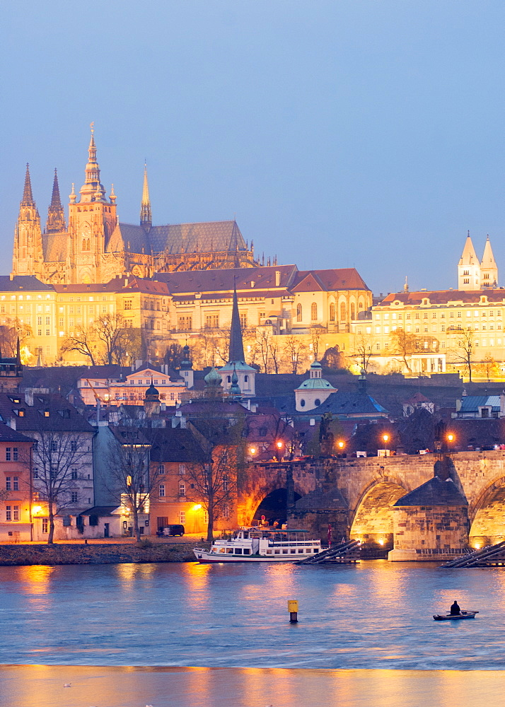 St. Vitus Cathedral and Charles Bridge, UNESCO World Heritage Site, Prague, Czech Republic, Europe