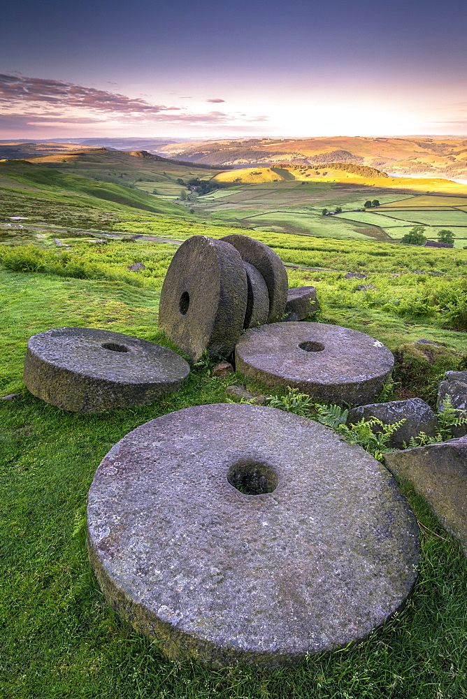 Stanage Edge millstones at sunrise, Peak District National Park, Derbyshire, England, United Kingdom, Europe - 1213-66
