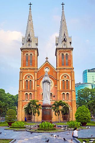 Saigon Notre-Dame Basilica cathedral, Ho Chi Minh City (Saigon), Vietnam, Indochina, Southeast Asia, Asia