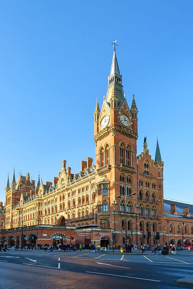 United Kingdom, England, London. St Pancras International railway station.