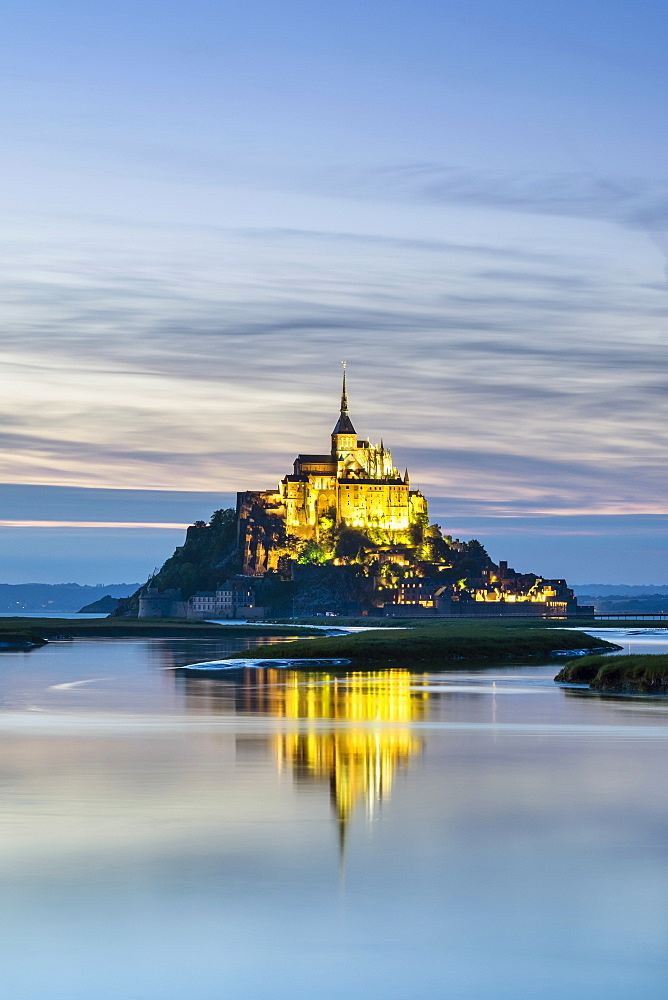 Le Mont-Saint-Miichel at sunset, Mont-Saint-Michel, UNESCO World Heritage Site, Manche, Normandy, France, Europe