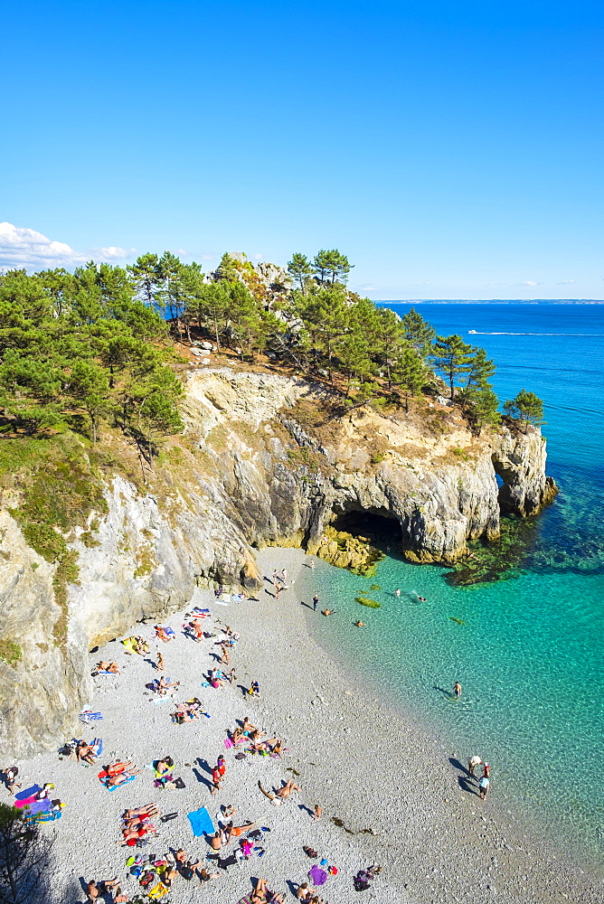 Plage de l'ile Vierge beach (Pointe Saint-Hernot), Presqu'ile de Crozon, Parc Naturel Regional d'Armorique, Finistere, Brittany, France, Europe