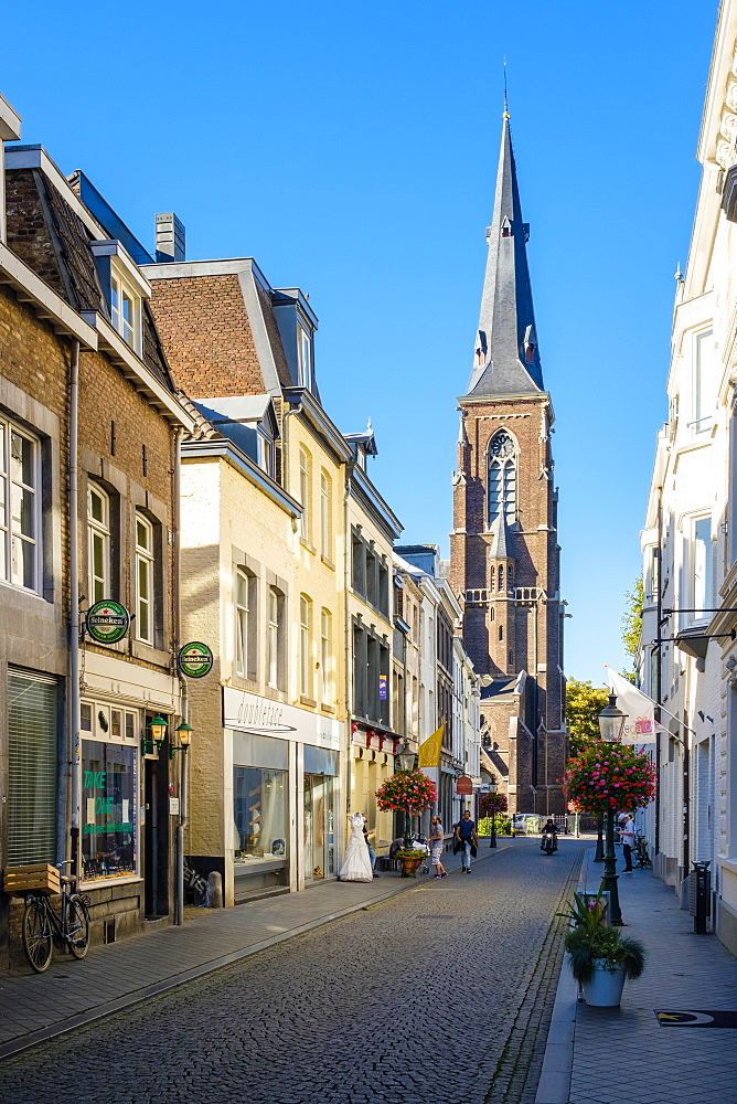 Netherlands, Limburg, Maastricht. Shopping streets in Wyck quarter.