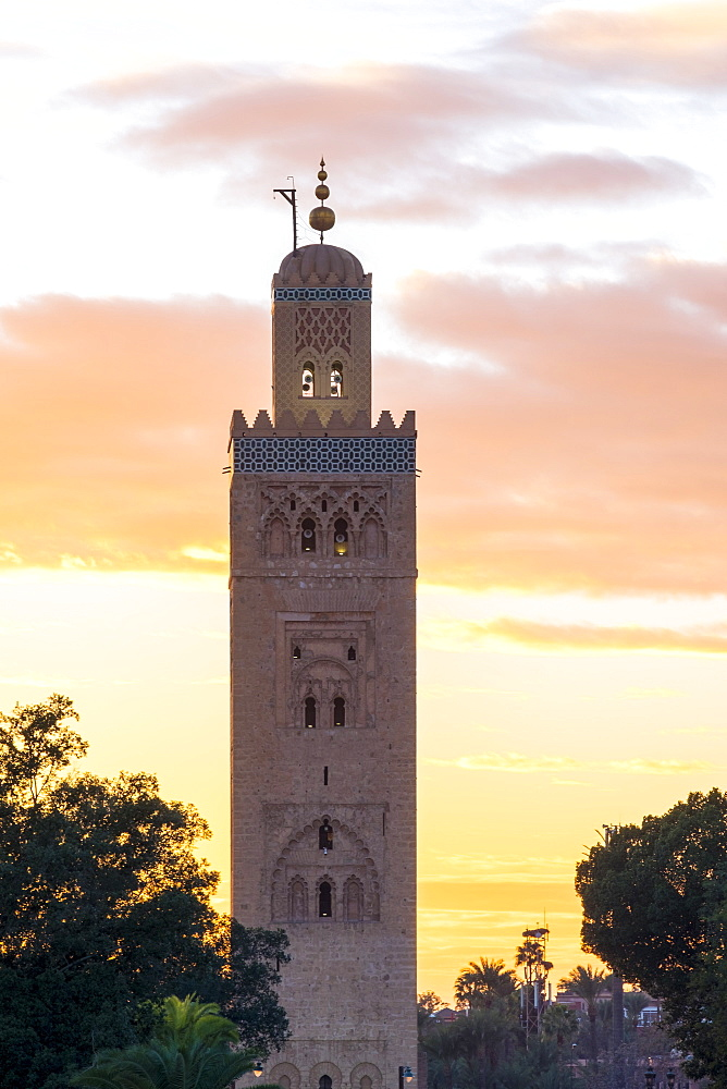 The 12th century minaret of Koutoubia Mosque at sunset, UNESCO World Heritage Site, from Jamaa El-Fna square, Marrakesh, Morocco, North Africa, Africa