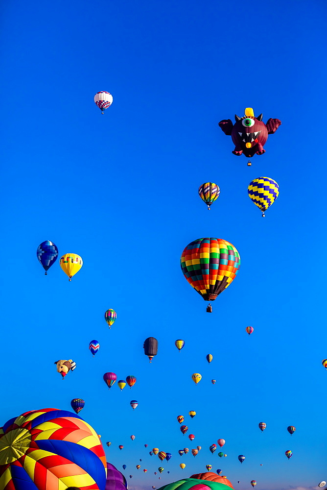 Mass ascension at the Fiesta Hot Air Balloon Festival, Albuquerque, New Mexico, United States of America, North America