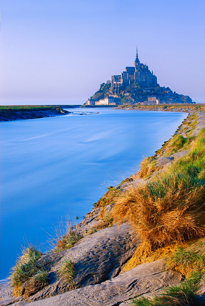 The Couesnon River leading to the island of Mont Saint-Michel, UNESCO World Heritage Site, Normandy, France, Europe