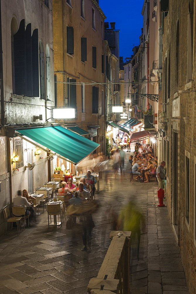 Venice cafes restaurants and street life, Venice, UNESCO World Heritage Site, Veneto, Italy, Europe