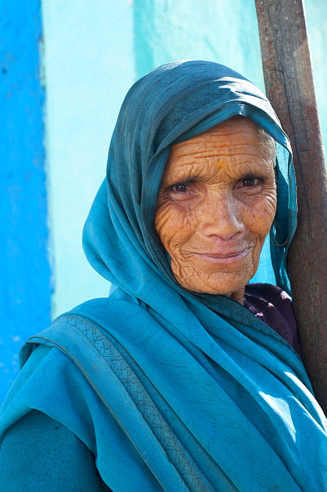 Portrait of an old woman from Uttarakhand (Uttaranchal), India, Asia