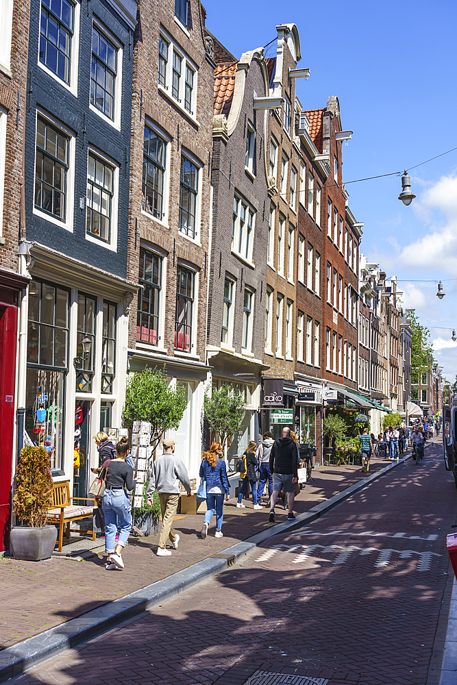 The Nine Streets district (De Negen Straatjes), a neighbourhood of quirky shops and restaurants, Amsterdam, North Holland, The Netherlands, Europe - 1226-857