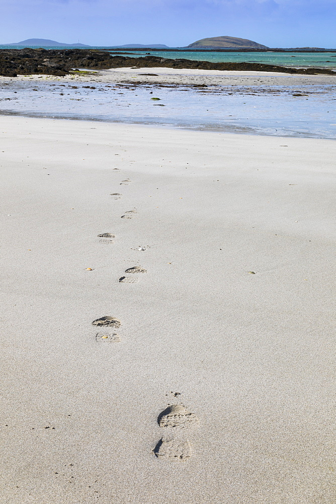Footsteps on a beach, Isle of Eriskay, Sound of Barra, Outer Hebrides, Scotland, United Kingdom, Europe